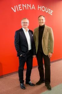 CEO Rupert Simoner(R) COO Martin Ykema(L)-2